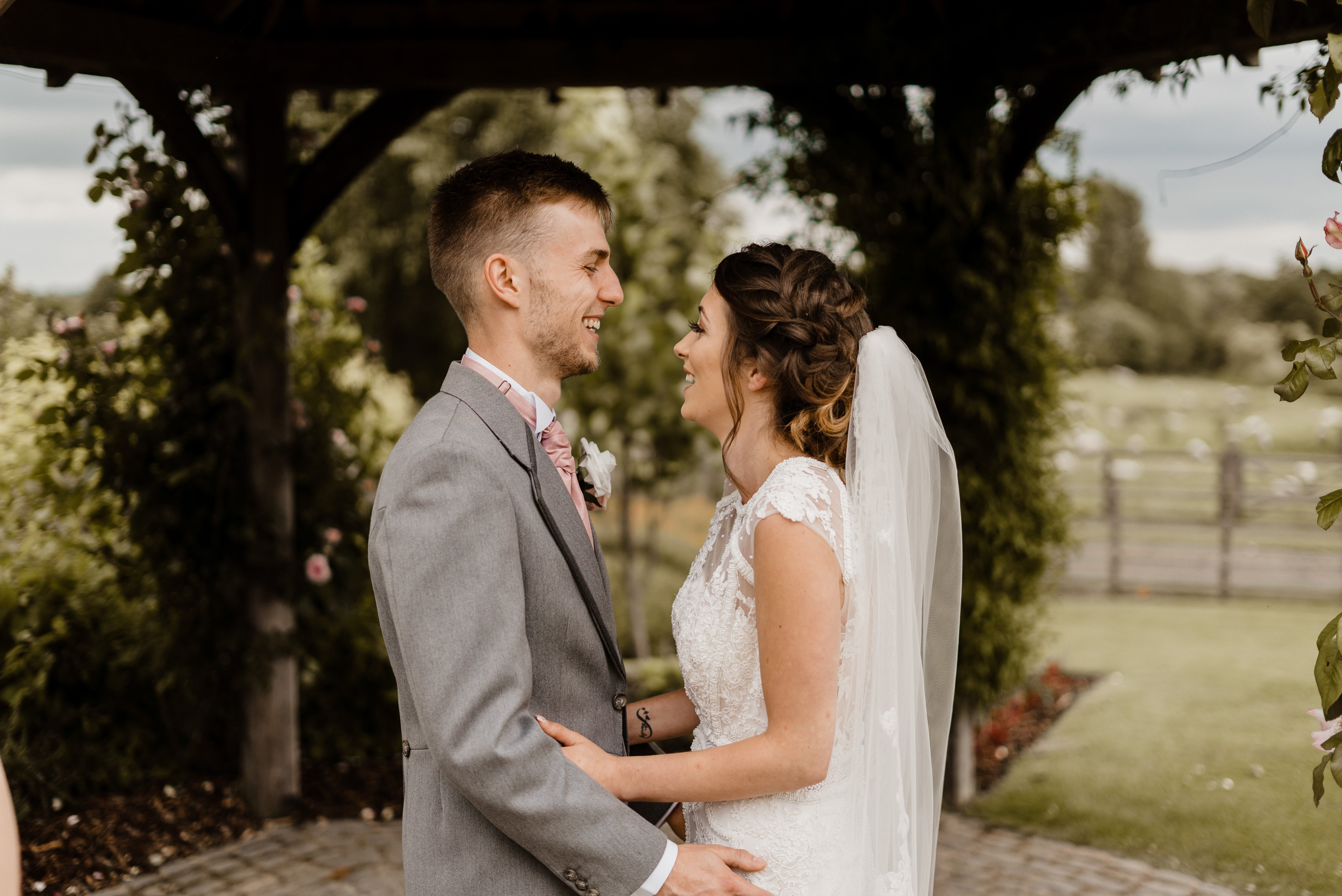 Sneak Peek - Sheryl & Sam Mythe Barn Wedding Ceremony 13