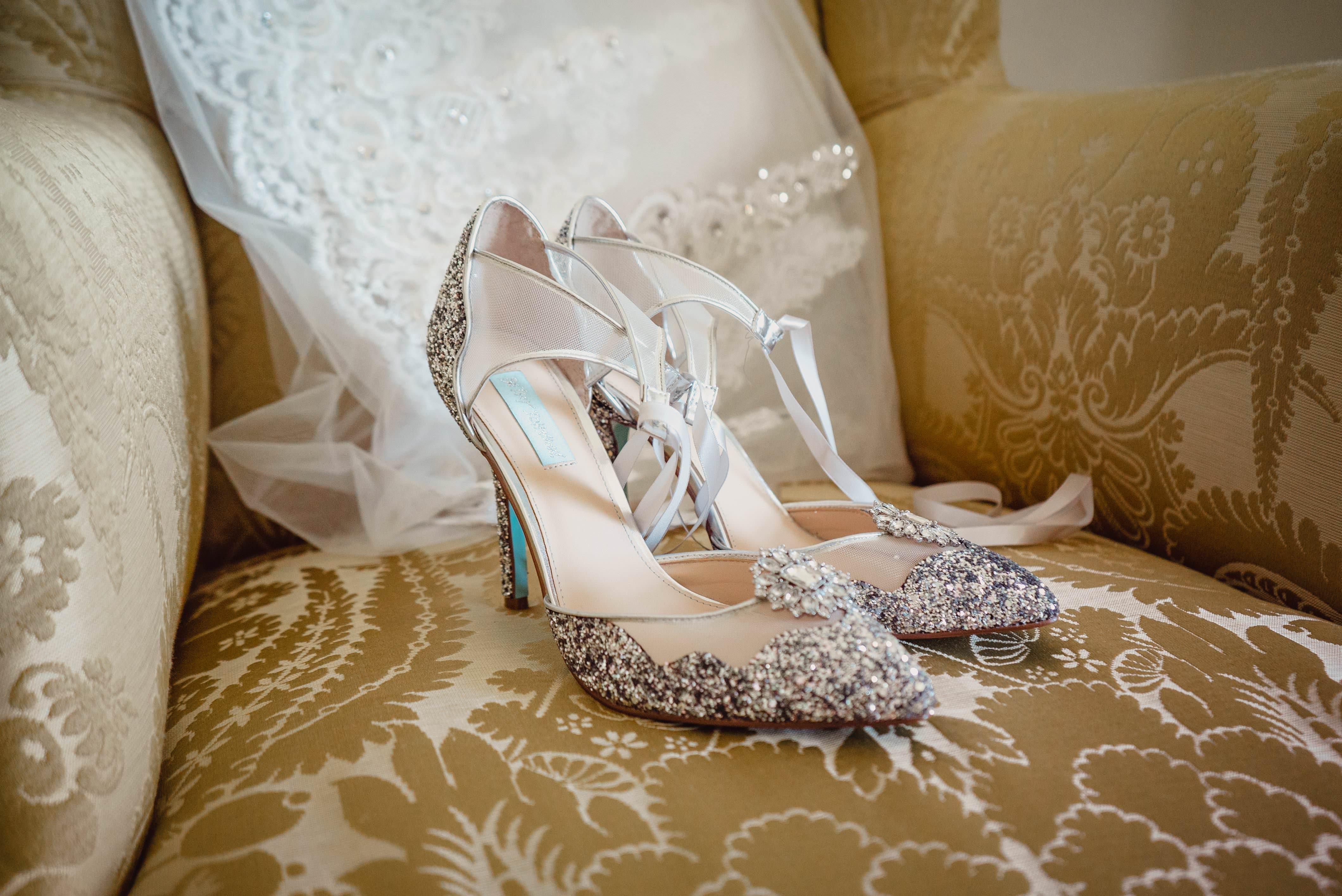 Sneak Peek – Sarah and John | Springkell Wedding Photographers 2